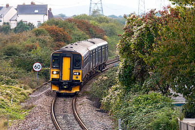 153382 & 150130 approach Worle Junction forming 2U24 16.07 Taunton to Bristol Parkway. Friday 14th October 2016.