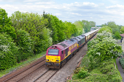 67022 & 67006 'Royal Sovereign' pass Worle with 1Z78 09.48 London Victoria to Truro Belmond British Pullman. Friday 5th May 2017. See they have turned a nice smart 67 for the train as usual, not!