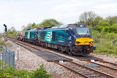 68021 'Tireless' & 68022 'Resolution' pass Yatton heading 6M63 11.58 Bridgwater to Crewe Coal Sidings with flask carriers FNA 550027 & FNA 550046. Thursday 27th April 2017.