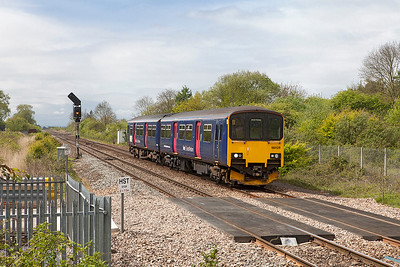150 129 arrives at Yatton forming 2D12 12.09 Weston-super-Mare to Bristol Parkway. Thursday 27th April 2017.