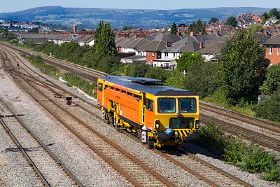 Tamper DR73931 passes East Usk. Friday 7th September 2012.