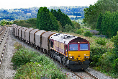66232 takes the loop at Pilning with 6V13 04.30 Dollands Moor to Margam empty steel carriers. Monday 10th September 2012.