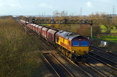 66011 passes Coedkernew with 4C70 08.29 Aberthaw Power Station to Avonmouth empty coal. 07/12/2011.