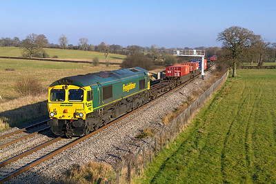 66571 passes Acton Turville with 4V50 10.57 Millbrook to Wentloog Freightliner. 1st February 2012.