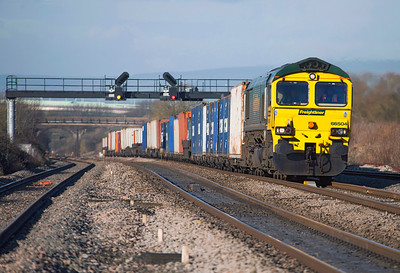 66504 heads upgrade at Pilning with 4O51 09.58 Wentloog to Southampton Freightliner. Friday 27th January 2012.