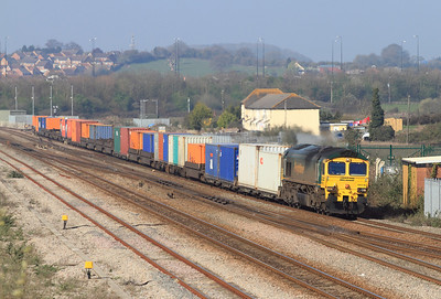 66516 is on the tunnel route at Severn Tunnel Junction with 4O51 09.58 Wentloog to Southampton Freightliner. Tuesday 27th March 2012.