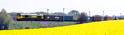 66501 'Japan 2001' heads norrth past Church Brampton in charge of 4M51 07.16 Tilbury to Daventry Freightliner. Tuesday 22nd May 2012.
