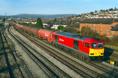 60054 passes East Usk Junction with 6B13 05.05 Robeston to Westerleigh loaded Murco tanks. Friday 25th November 2011.