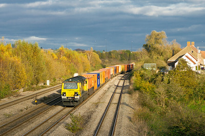 70020 powers away from Severn Tunnel Junction at Undy with 4V50 10.57 Millbrook to Wentloog Freightliner. Thursday 8th November 2012.