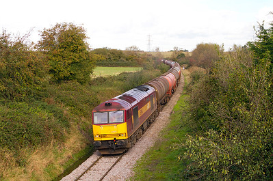 60071 'Ribblehead Viaduct' approaches the Murco Terminal at Westerleigh with 6B13 05.05 Robeston to Westerleigh loaded tanks. 20/10/2011