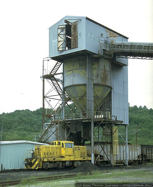 Loading coal at the Sentinel mine, Berryburg IT. 2000.