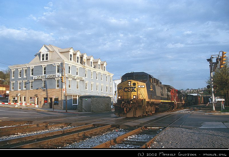 Q317 leaving Cumberland for Grafton, 2002.