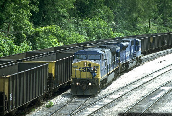 C40-9W 9033 and SD80MAC 0804 dropping coal empties in Grafton, WV. 2000.