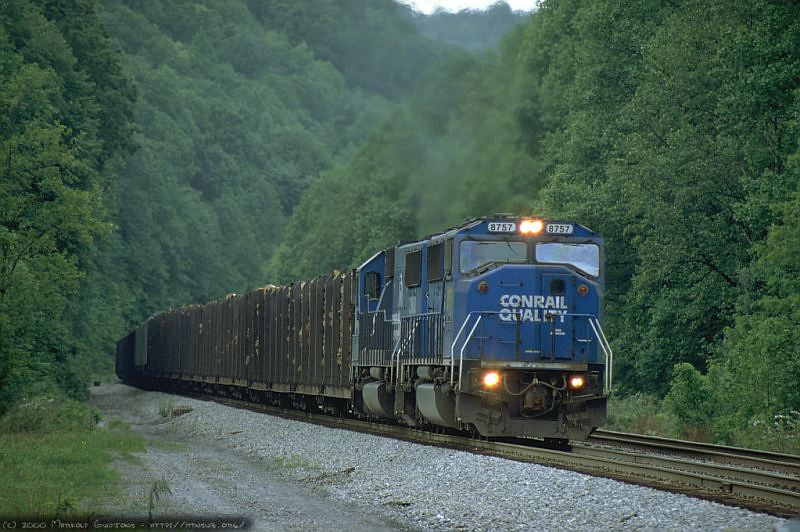 Q316 at the Raccoon Valley Road crossing approaching West End, WV. 2000.