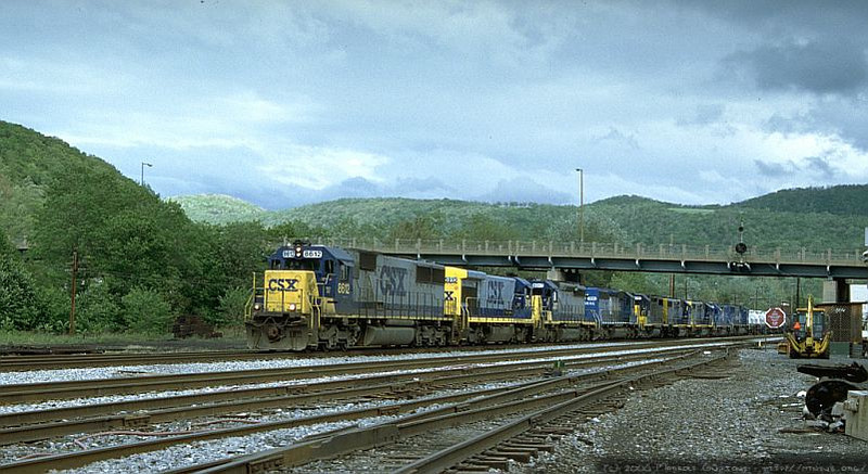 Q317 arriving at Keyser, WV with 9 units. Two will be set out at 'Z' Tower. 2000.