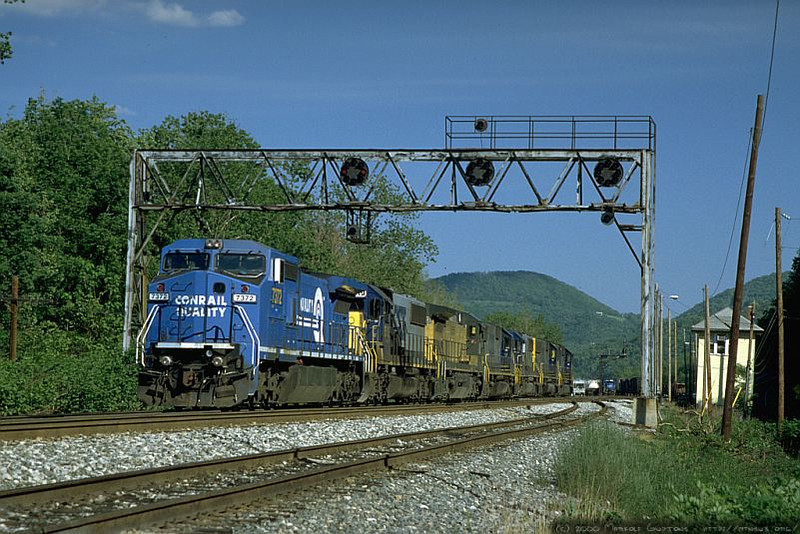 Q317 westbound at 'Z' Tower, Keyser, WV. 2000.