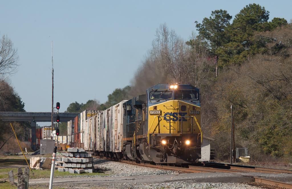 Eastbound intermodal train in Folkston, Ga.