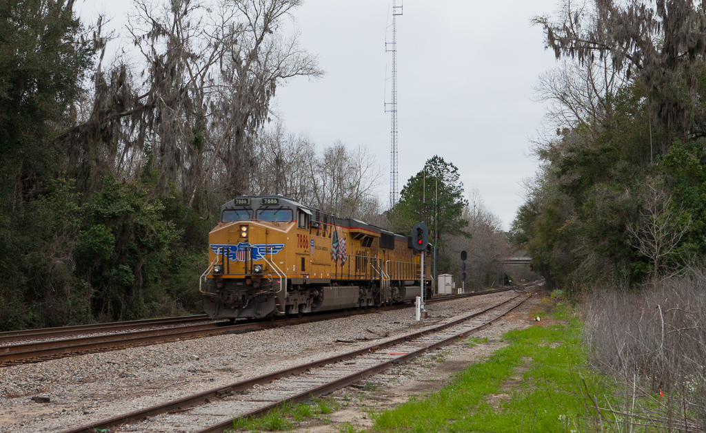 CSX light engine move westbound near Monticello, Fl.