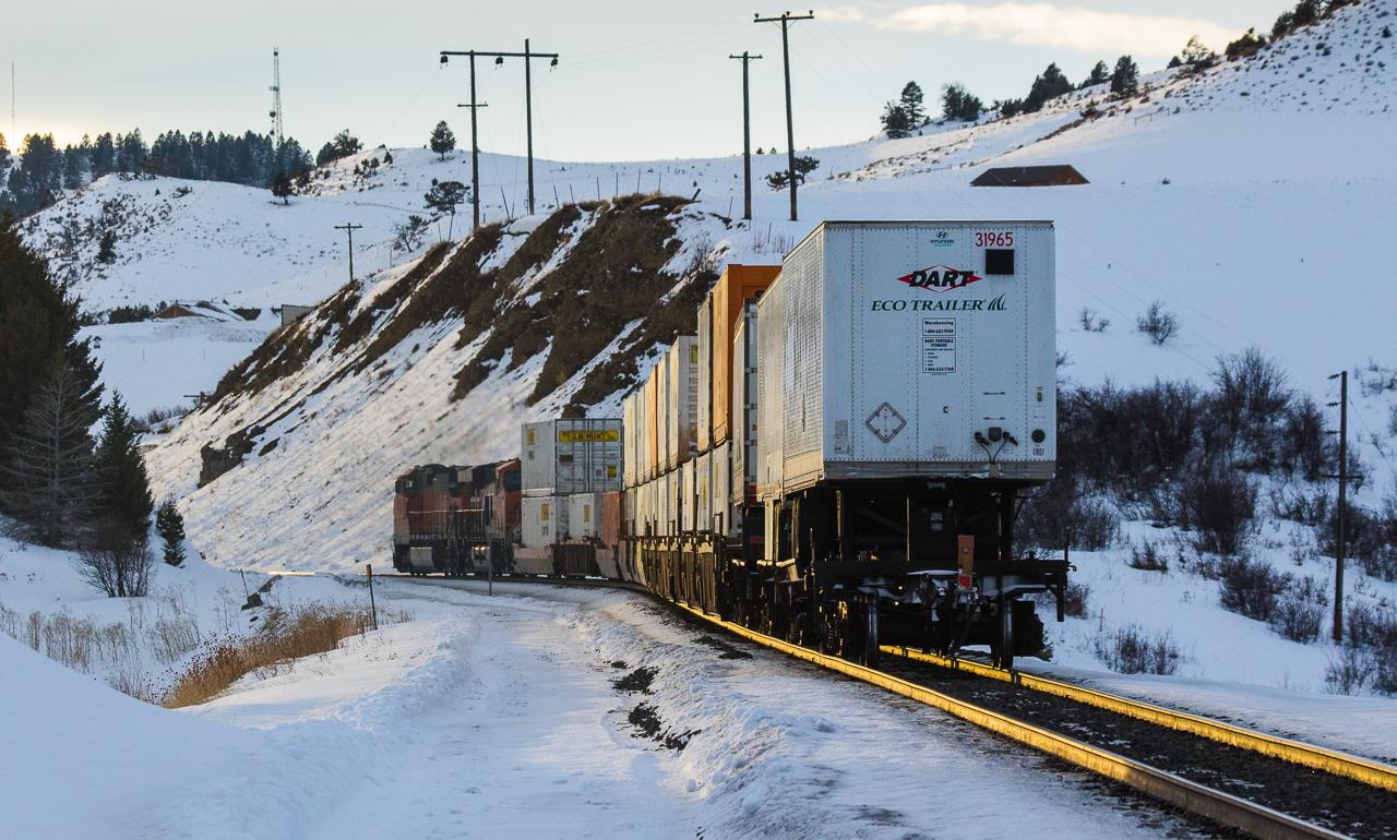 Short Q train at Flynn Creek Rd.