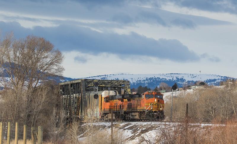 5259 on empty vehicle train crosses the Yellowstone Bridge leaving Livingstone, MT.