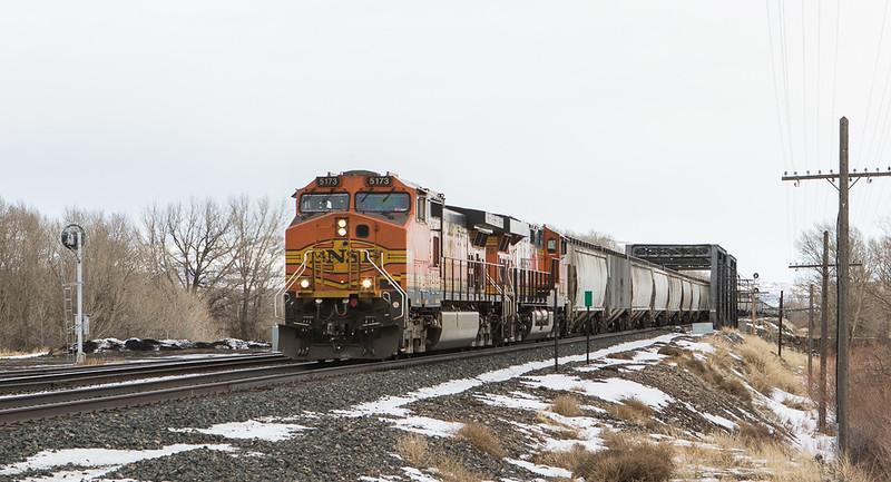 5173 with G-LMNINB931 entering Livingstone, MT.