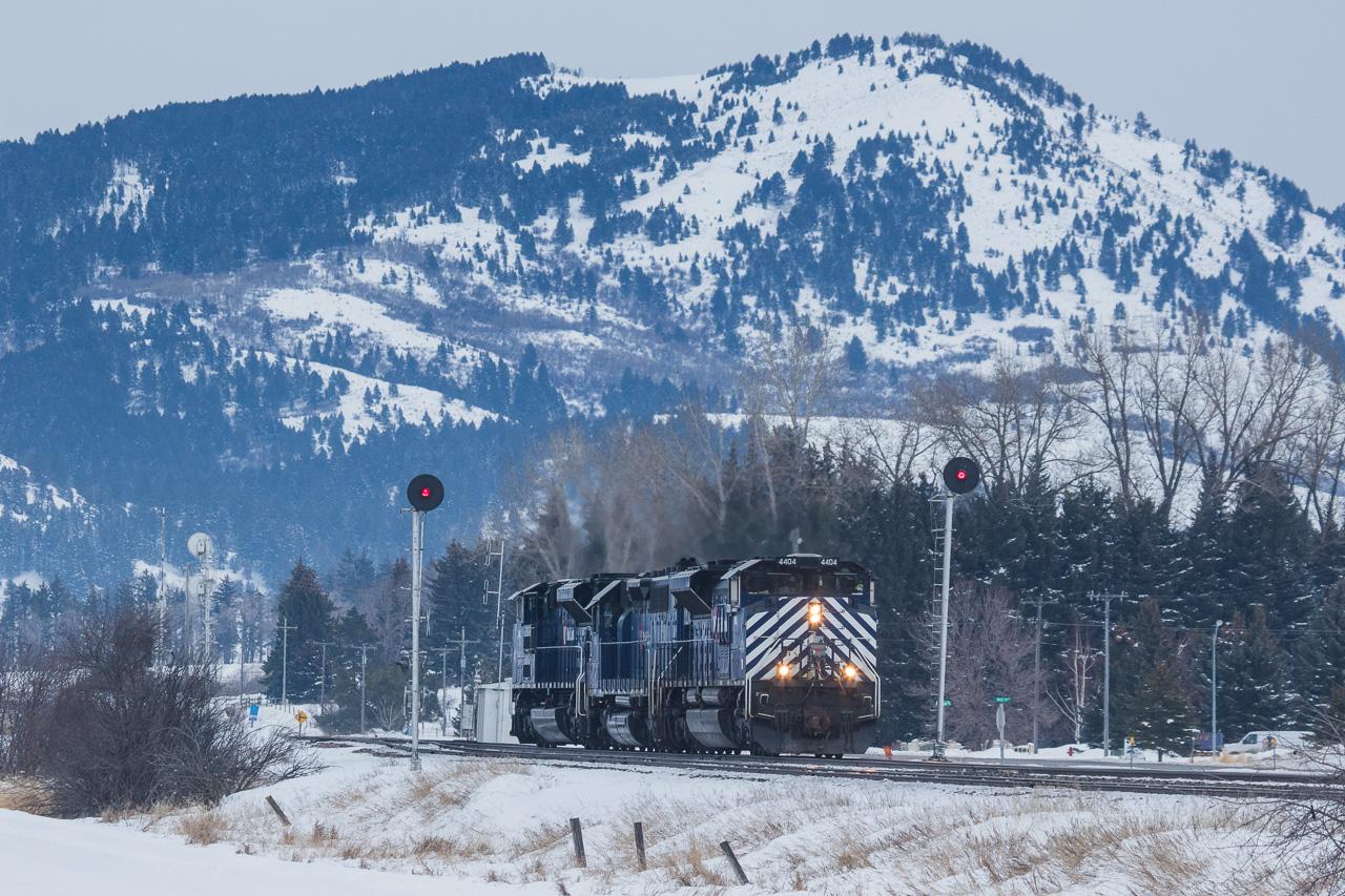 4404 with helper set at Bozeman, MT.