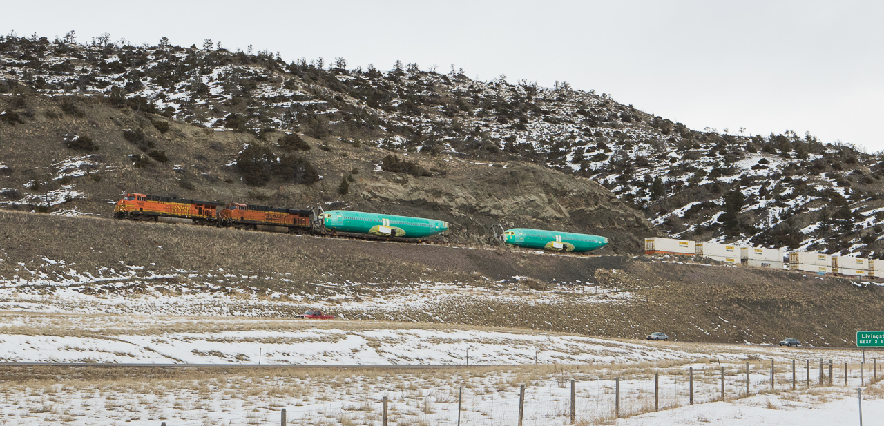 7668 with the H-LAUPAS104 on the east slope.