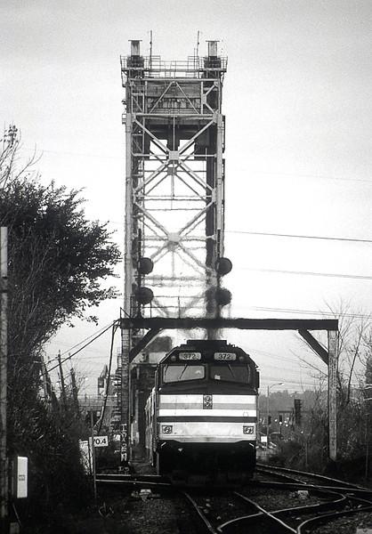 AMT F40PHR 372 with commuter train in Lemoyne.