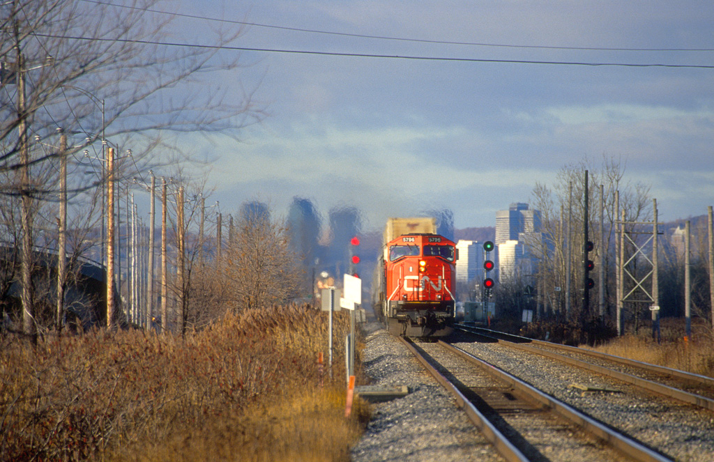 CN SD75I 5796 with intermodal eastbound in St. Hubert.