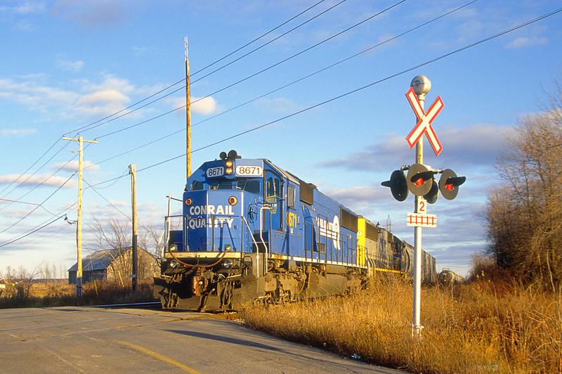 CSX SD50 8671 interchanging with CN in Salaberry de Valleyfield.