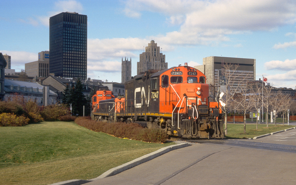 GP9RM 7247 + 7228 and slug 221 returning light from the Port of Montreal to Turcot Yard.