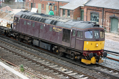 33029 'Glen Loy' approaches Eastleigh working 6Z33 1210 Totton Yard - Westbury 4/4/14