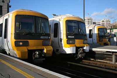 While the spies sip their coffee and munch digestives at tax-payers expense; 465169, 465239 & 465189 line up at Cannon St Station, London. 27/11/09