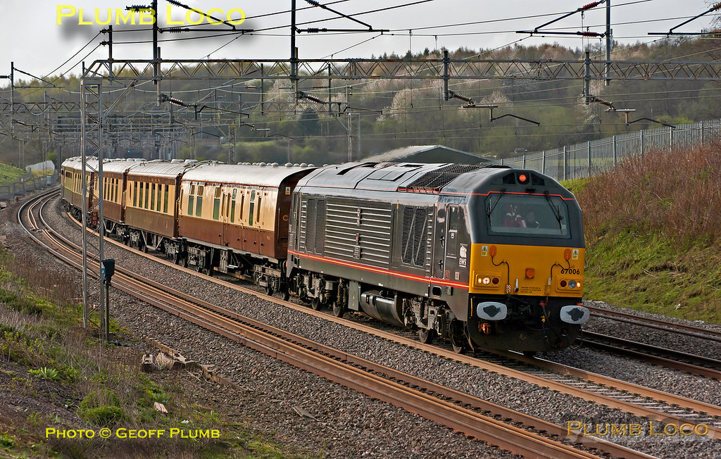 """67006 """"Special Delivery"""" is at the head of the VSOE train, 1Z58, 07:15 from Victoria to Runcorn for the Grand National, passing Old Linslade on the WCML at 08:30 on Saturday 14th April 2012. Digital Image No. GMPI11584."""