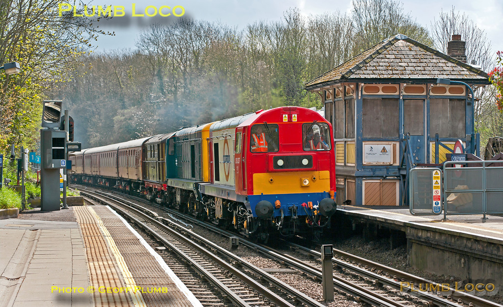 GMPI15202_20227_20142_Met12_Chorleywood_Train746_260413