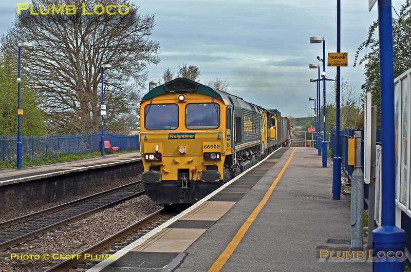 66502 & 70001, King's Sutton_4O18, 12th April 2014