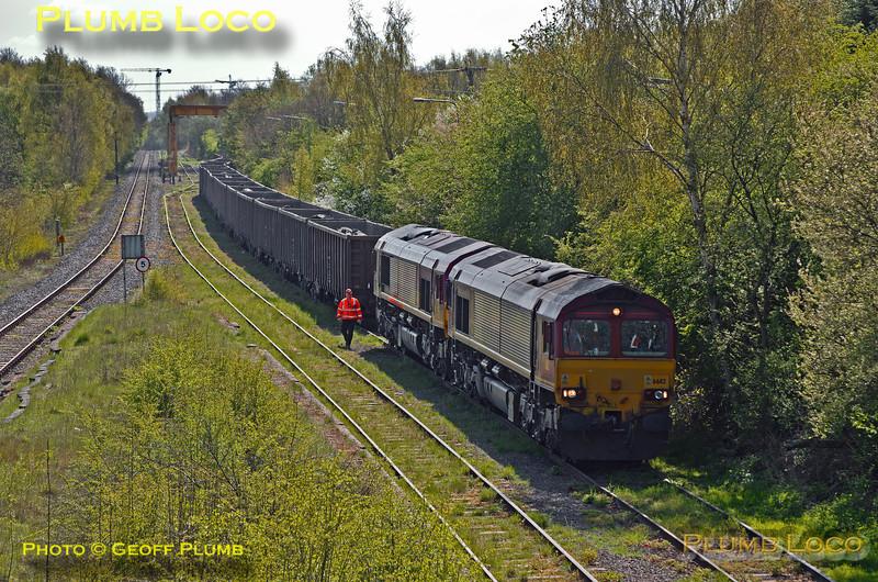 66112 & 66077, Calvert, 6M48, 15th April 2014