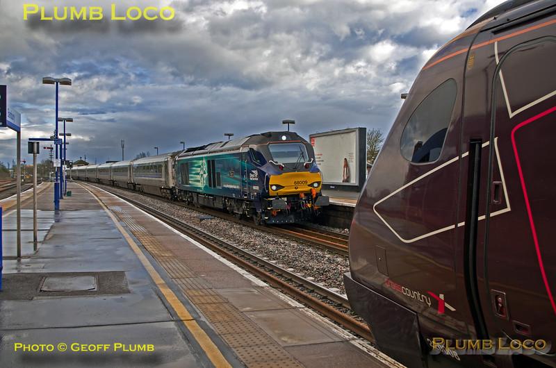 """68009 """"Titan"""" & 220 008, Banbury, 16th April 2016"""