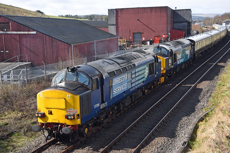 37259 and 37609 at Keith with Pathfinder Easter Special