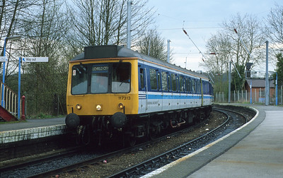 They started putting class numbers on the front of these DMUs not long before they got rid of them! The wires are up at Barnt Green as 117313 pauses en route from Redditch to Lichfield City. 27/3/92
