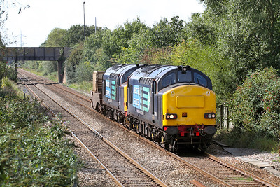 37611 & 37218 with 1 FNA Flask pass Worle Parkway on the 6M67 Bridgwater to Crewe Coal Sidings. 14/09/2011