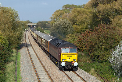 57601 leads 5Z54 08.15 Carnforth to Exeter empty stock working comprised of the Statesman stock prior to working a charter to Fort William the following day past Hutton Moor on the Weston-super-Mare avoiding line. 47826 is DOR. Thursday 22nd September 2011.