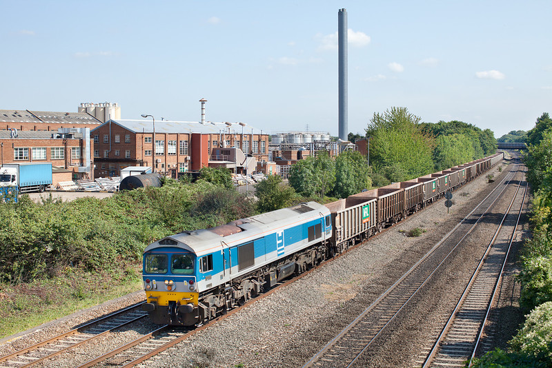 59004 approaches Slough with the 7C77 12.40 Acton Yard-Merehead Mendip rail empty 'Jumbo train.3.9.12