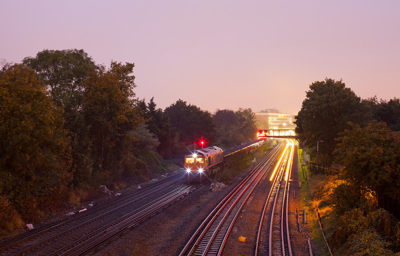 66732 waits between North Sheen and Richmond during an engineering possession on 21.10.12