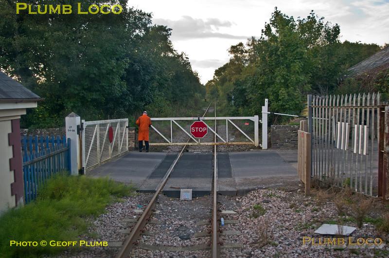 FGW Tracker Tour II, Teignbridge Level-Crossing, 2Z12, 12th October 2013