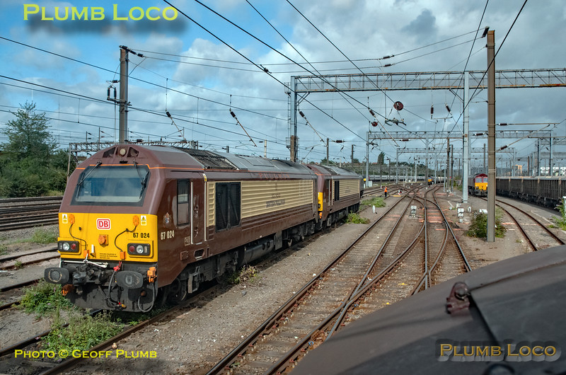 "BLS ""Type 3 to the Sea"", PoV 37669, Pullman 67s, Wembley Yard, 10th August 2019"