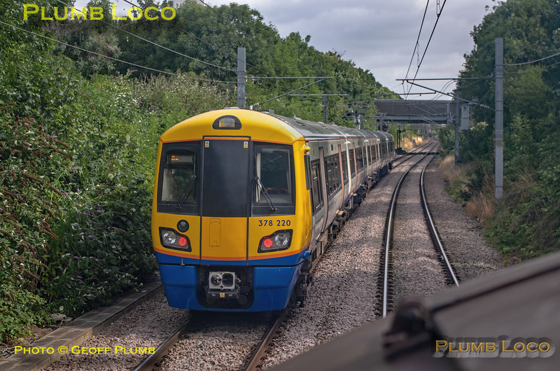 """BLS """"Type 3 to the Sea"""", PoV 37669, 378 220 near Acton Central, 10th August 2019"""