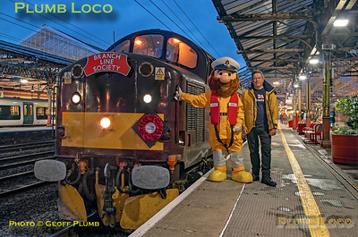 """BLS """"Type 3 to the Sea"""", 37706, Crewe Platform 5, together with RNLI """"Stormy Stan"""" & Mark Thomas, 10th August 2019"""