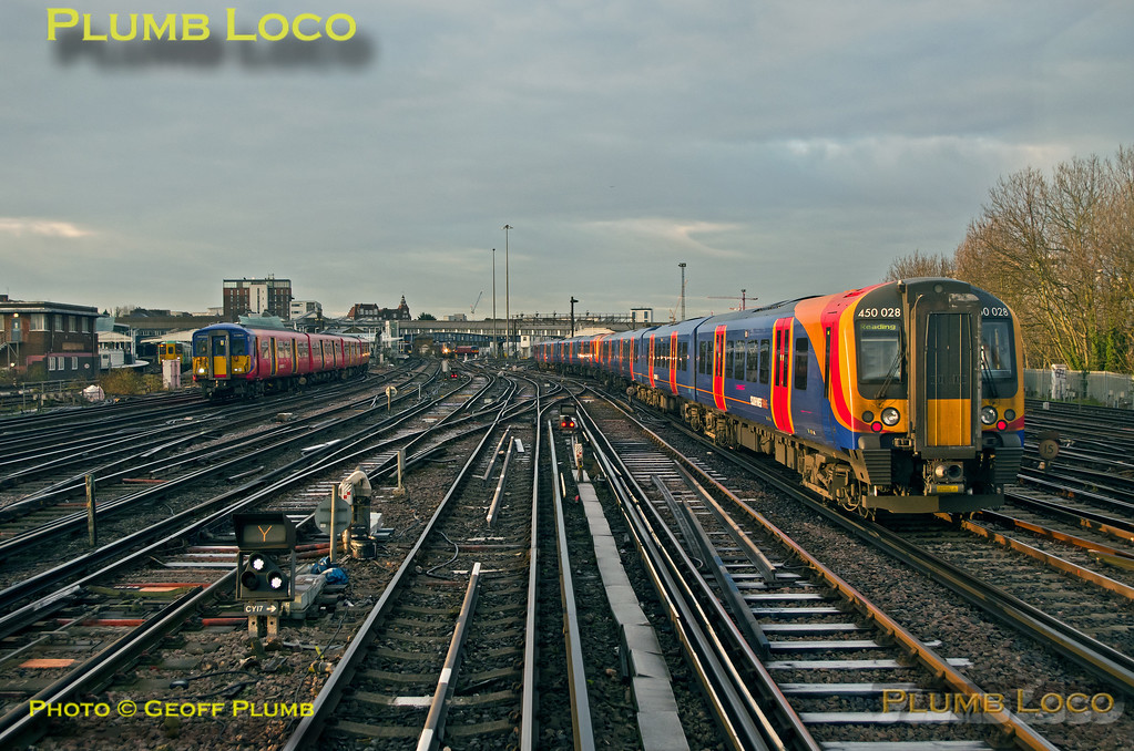 "PoV 455 870, BLS ""Vossloh Voyager"", Signal CY17, Clapham, 1Z45, 14th January 2017"
