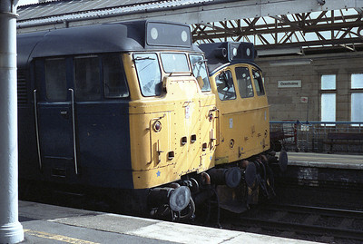 31290 and 25202 were parked side by side at Oxenholme during engineering work 15/4/84.